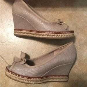 Tory Burch Shoes - Tory Burch Jackie Wedge size 6